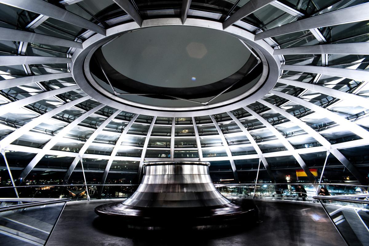 Reichstagskuppel-beleuchtet-13-von-13