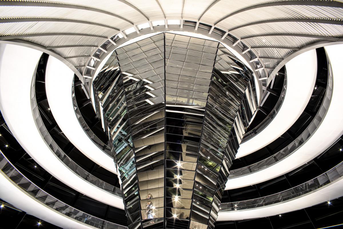 Reichstagskuppel-beleuchtet-3-von-13