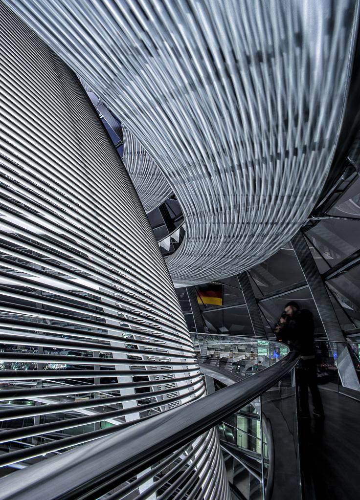 Reichstagskuppel-beleuchtet-7-von-13