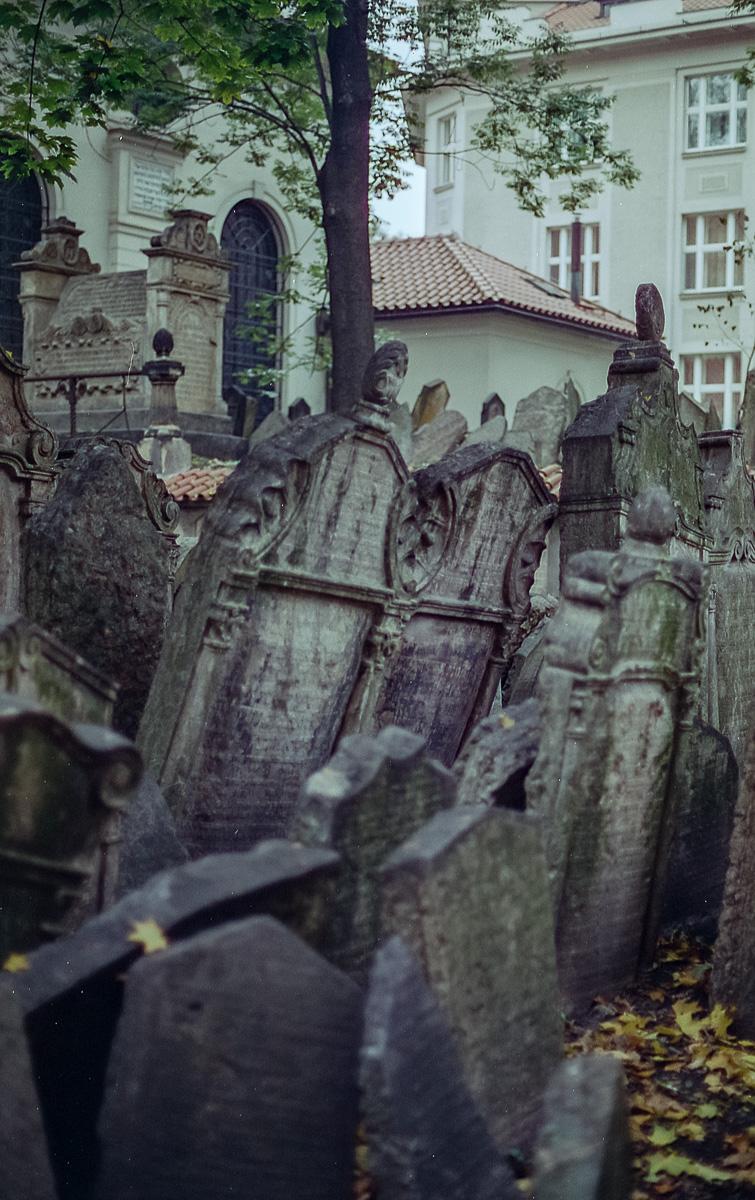 Jüdischer_Friedhof_Prag_(12_von_17)