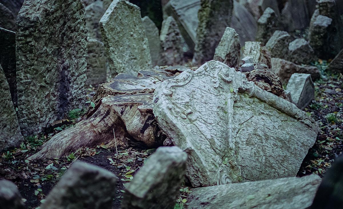 Jüdischer_Friedhof_Prag_(7_von_17)