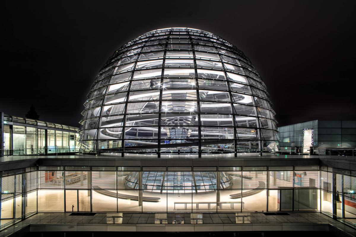 Reichstagskuppel-beleuchtet-1-von-13