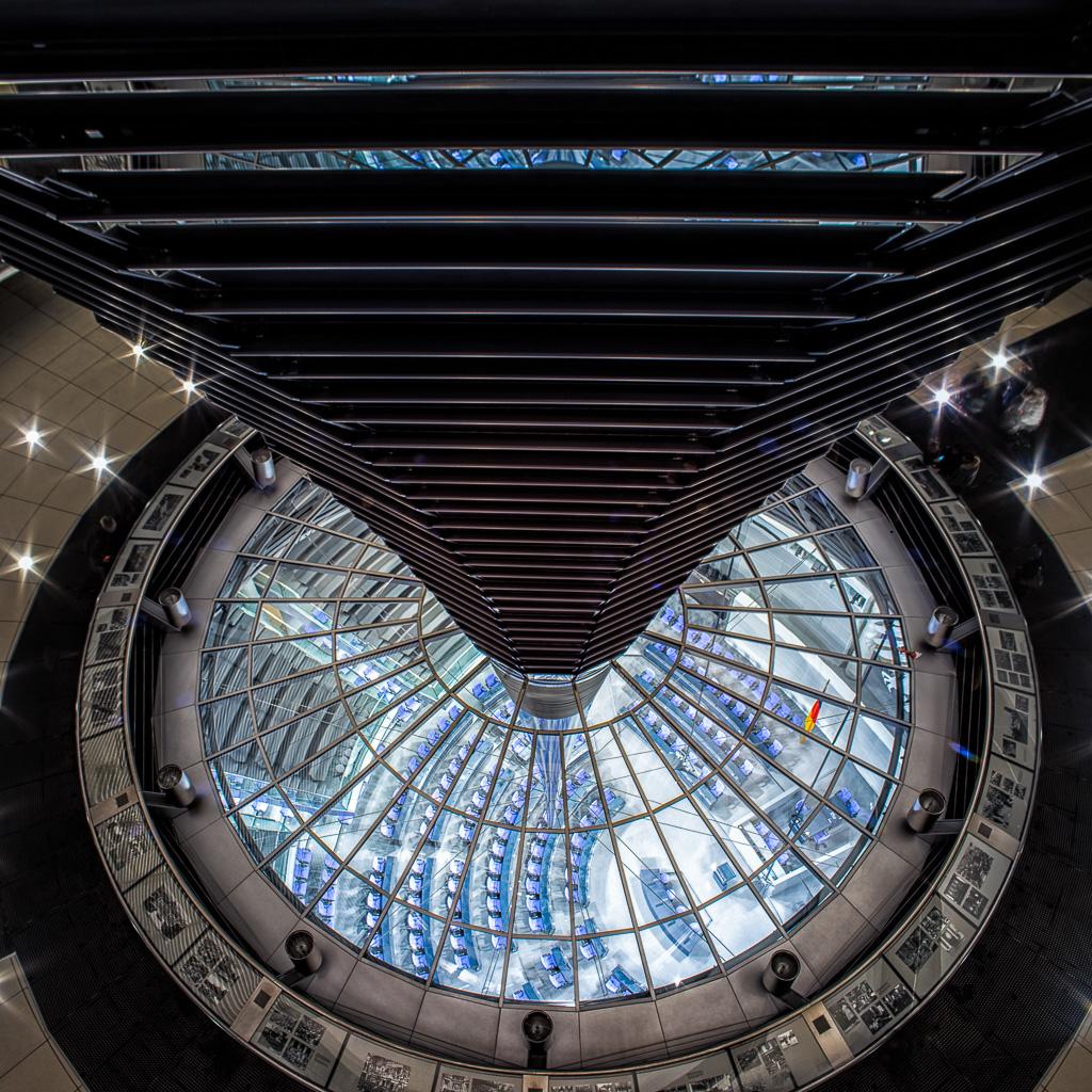 Reichstagskuppel-beleuchtet-12-von-13