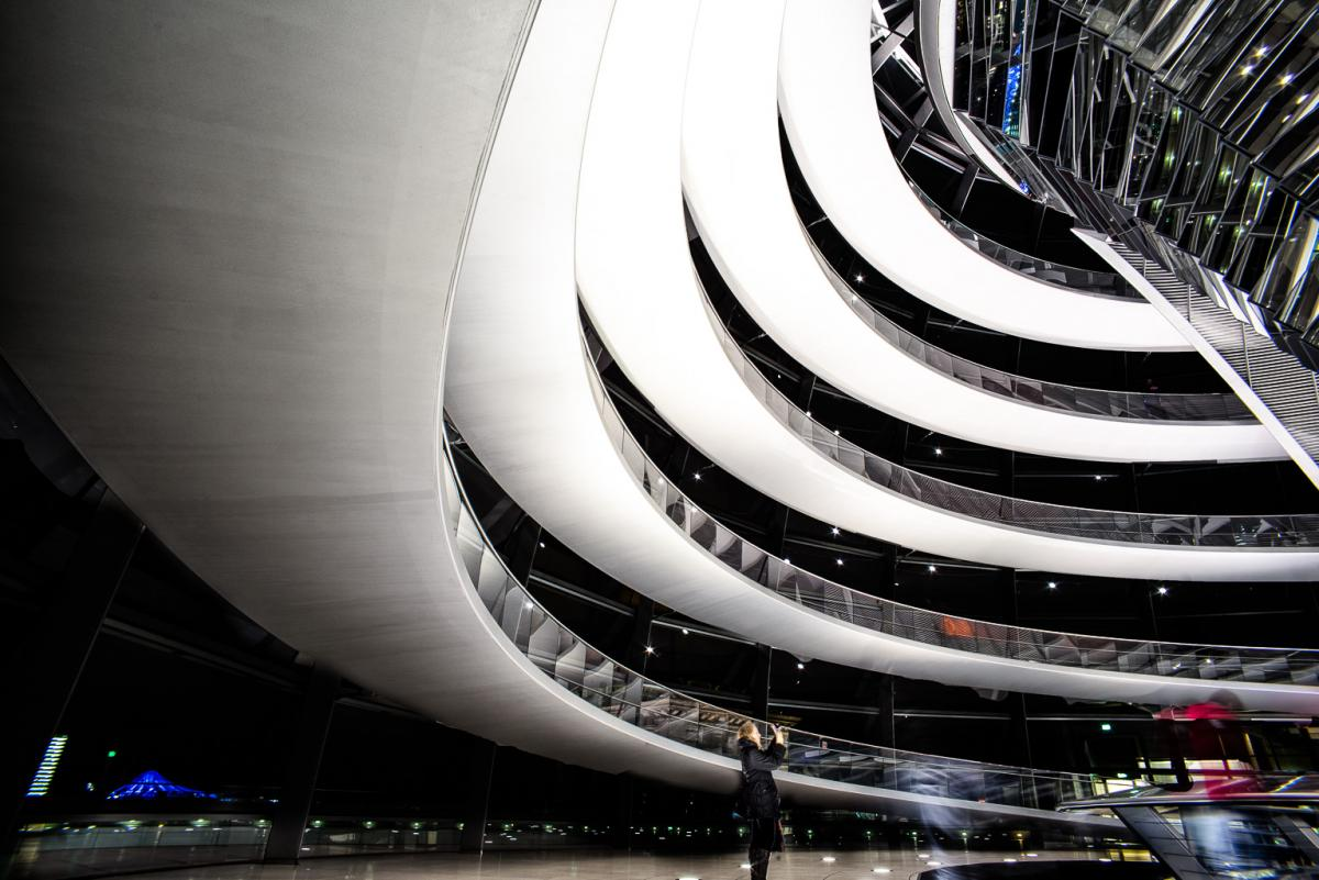 Reichstagskuppel-beleuchtet-5-von-13