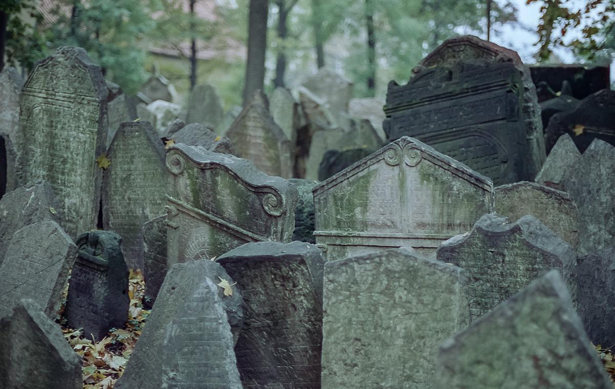 Jüdischer_Friedhof_Prag_(11_von_17)