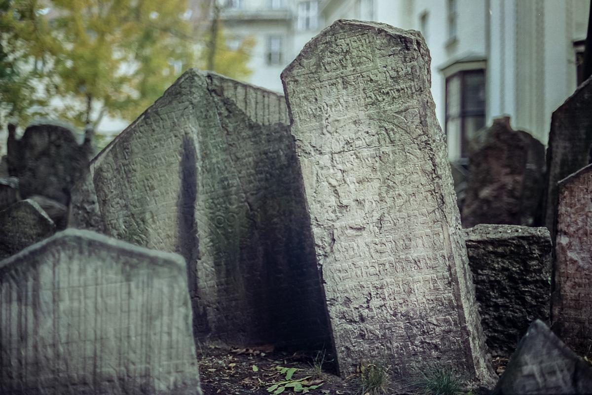 Jüdischer_Friedhof_Prag_(1_von_17)